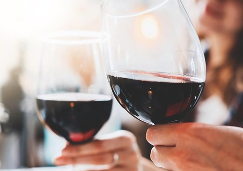 Những tác dụng ít biết của rượu vang