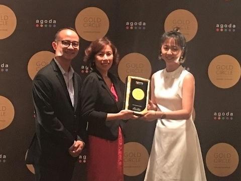 Leman Cap Resort & Spa nhan giai vang cua Agoda 2018 hinh anh