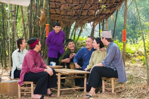 Thu Trang, Tiến Luật hóa cặp vợ chồng lam lũ trong clip hài Tết mới
