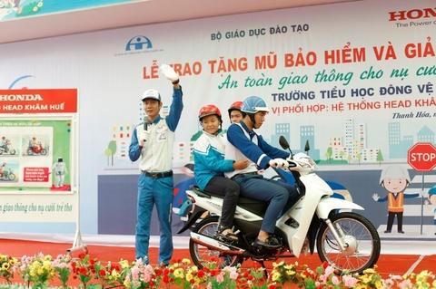 Honda Viet Nam to chuc hoi thao tap huan ATGT hinh anh