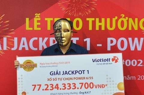 Chiếc mặt nạ đặc biệt của Vietlott