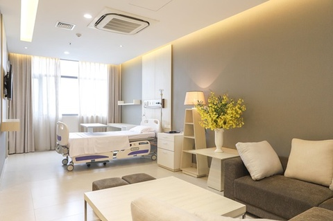 Bên trong bệnh viện khách sạn sang trọng tại Hà Nội