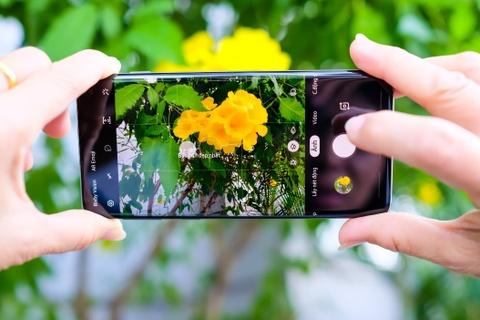 Chi tiet Galaxy S10 va S10+ sap len ke: Camera va man hinh xuat sac hinh anh 8