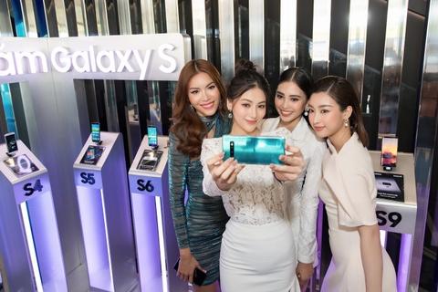My Linh, Tieu Vy bat ngo xuat hien tai su kien mo ban Galaxy S10 hinh anh 13