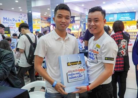 Dai dien TGDD: 'Gan 29.000 don hang cho Galaxy A50 la con so khung' hinh anh 4