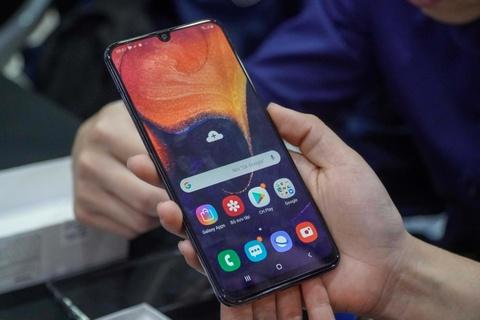 Dai dien TGDD: 'Gan 29.000 don hang cho Galaxy A50 la con so khung' hinh anh 7