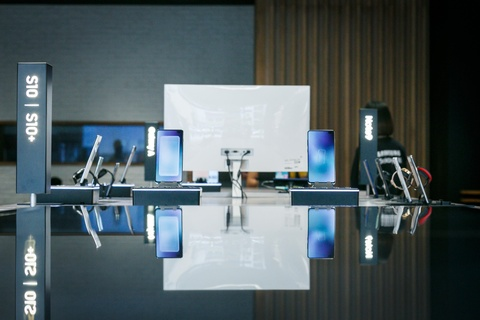 Tai sao Samsung dat showcase hien dai dau tien cua chau A tai VN? hinh anh 4