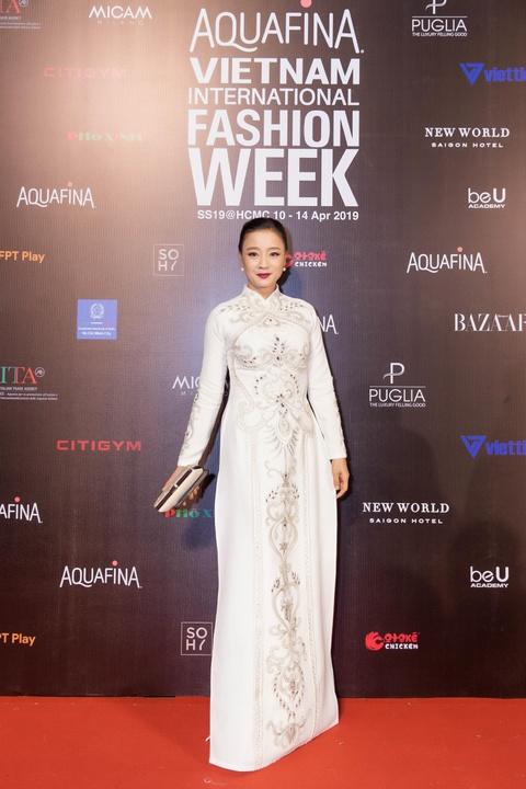 Oc Thanh Van, Mai Phuong rang ro tren tham do Aquafina VIFW ngay 2 hinh anh 5