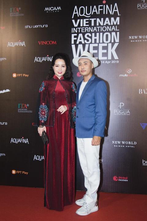 Phuong Trinh Jolie, Thuy Nga ho bao tren tham do Aquafina VIFW ngay 3 hinh anh 17