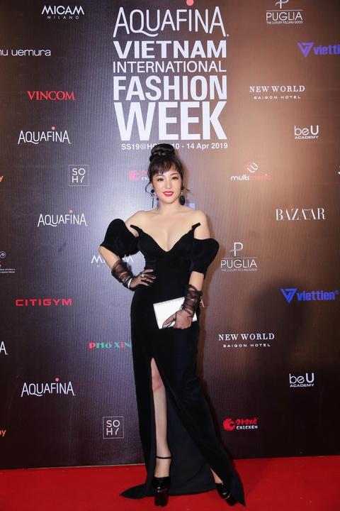 Phuong Trinh Jolie, Thuy Nga ho bao tren tham do Aquafina VIFW ngay 3 hinh anh 4
