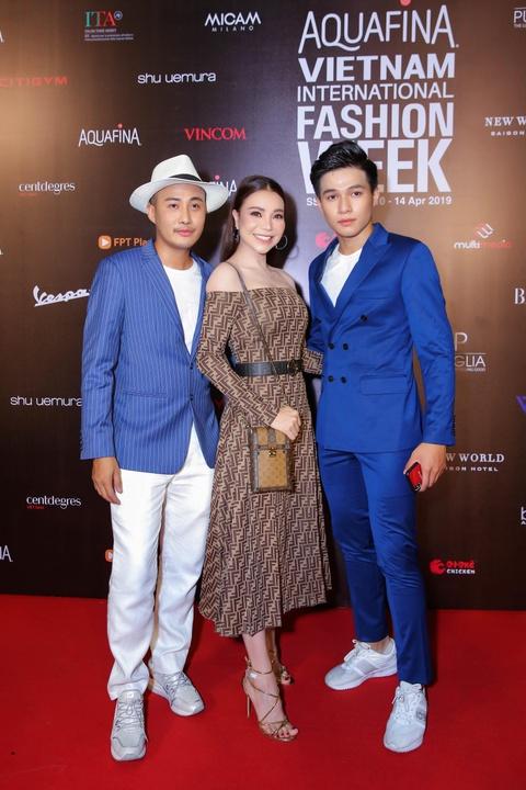 Phuong Trinh Jolie, Thuy Nga ho bao tren tham do Aquafina VIFW ngay 3 hinh anh 6