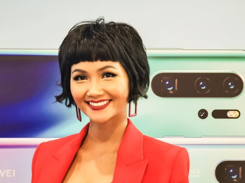 Nguoi Sai Gon xep hang tu 5h sang cho mua Huawei P30 Pro hinh anh 12