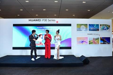 Nguoi Sai Gon xep hang tu 5h sang cho mua Huawei P30 Pro hinh anh 13