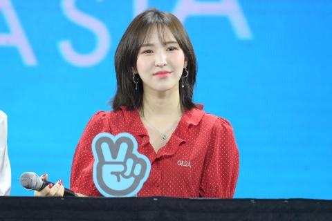 Red Velvet: 'Chung toi chinh la mon qua cho khan gia Viet Nam' hinh anh 5
