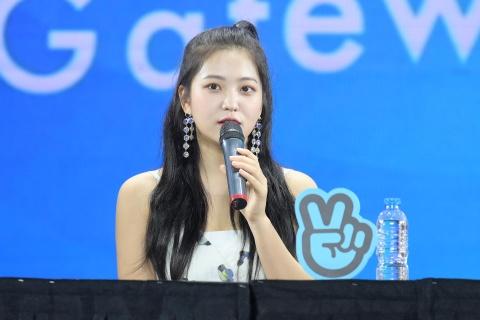 Red Velvet: 'Chung toi chinh la mon qua cho khan gia Viet Nam' hinh anh 12