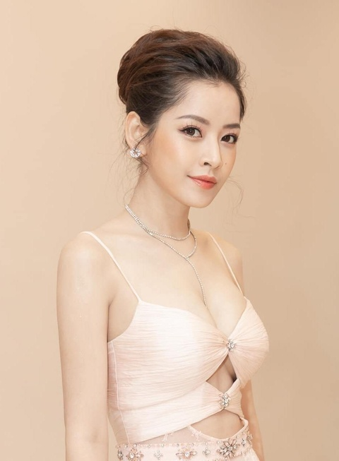Khac Viet se bieu dien cung Ha Sungwoon va KARD hinh anh 2