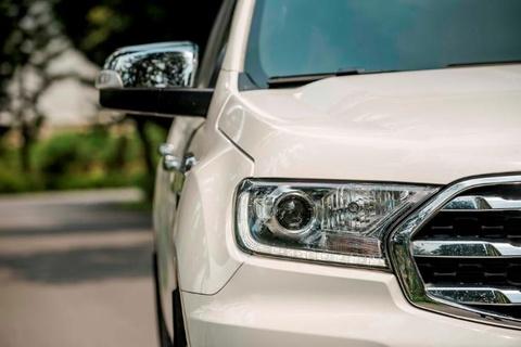 Ford Everest moi - 'ho moc them canh' voi nhung nang cap dang gia hinh anh 9
