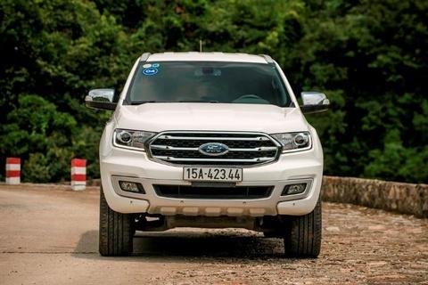 Ford Everest moi - 'ho moc them canh' voi nhung nang cap dang gia hinh anh 12