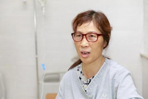 Benh nhan tai Lao khoa Trung uong quay quan ben TV moi hinh anh 5