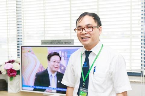 Benh nhan tai Lao khoa Trung uong quay quan ben TV moi hinh anh 8