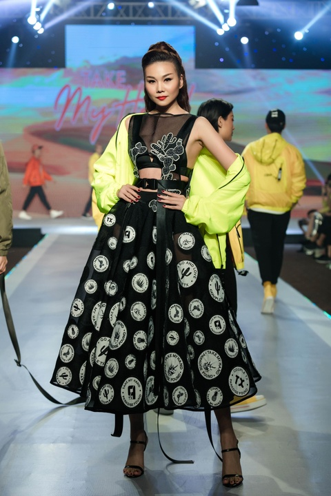 Fashion show 'Take my hand' an tuong nho thong diep bao ve moi truong hinh anh 4