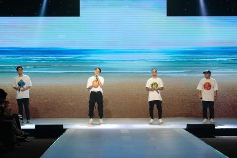 Fashion show 'Take my hand' an tuong nho thong diep bao ve moi truong hinh anh 6