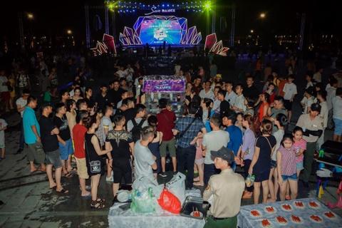 Sun Dance Festival hut hang nghin du khach trong lan dau den Ha Long hinh anh 3