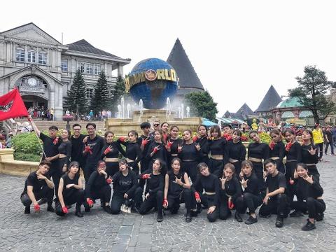 Nhung man flashmob an tuong cua top 16 doi thi 'Song tuoi tre' 2019 hinh anh 9