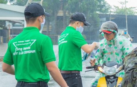 Honda tang khau trang cho hon 30.000 cong nhan KCN Hoa Cam va An Don hinh anh