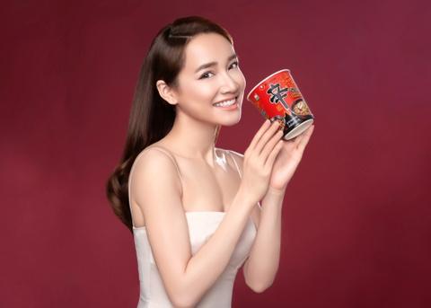 Nhã Phương trở thành đại sứ thương hiệu của nhãn hàng Nongshim