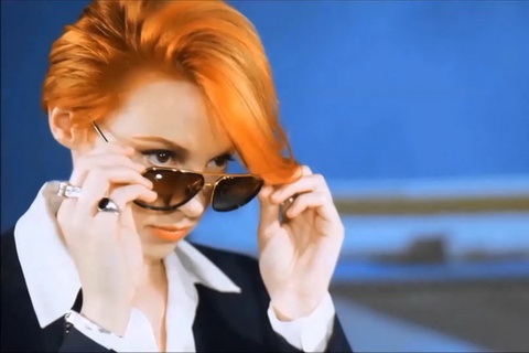 La Roux - 'Uptight Downtown' hinh anh
