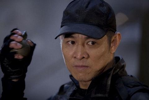 Ly Lien Kiet thi trien 'Thiet Chao Cong' - 'Biet doi danh thue 2' (2012) hinh anh