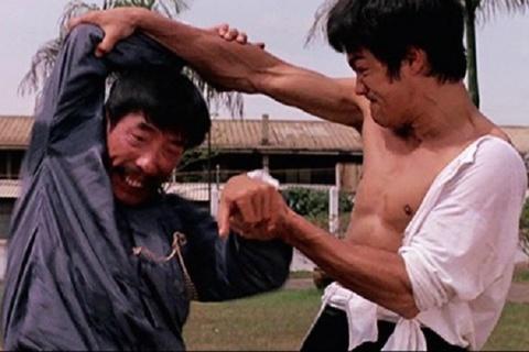 Ly Tieu Long giao chien Han Anh Kiet - 'Duong Son dai huynh' (1971) hinh anh