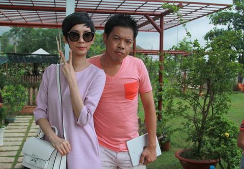 Thai Hoa tro thanh khach mua ve so quen cua Xuan Lan hinh anh