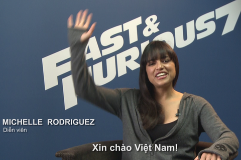 Michelle Rodriguez gui loi chao toi fan Viet hinh anh