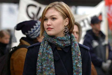 Khan gia tai ngo Julia Stiles trong 'Bourne 5' hinh anh