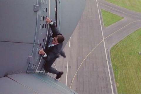 Tom Cruise mat 8 lan quay canh du may bay tren 1.500 m hinh anh