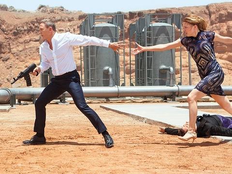 Phim '007' moi bi gioi phe binh che nhat thoi Daniel Craig hinh anh
