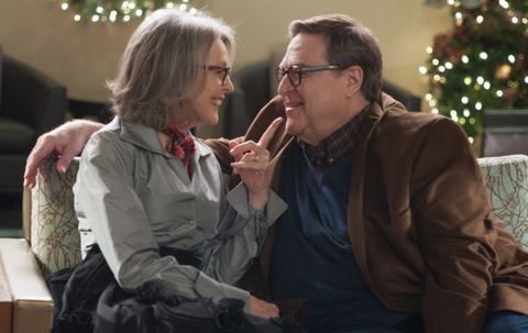 'Love the Coopers': Khi Giang sinh mang mau noi buon hinh anh
