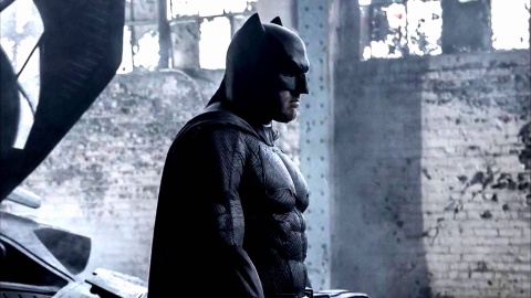Hans Zimmer & Junkie XL - 'Beautiful Lie' (OST 'Batman v Superman: Dawn of Justice') hinh anh