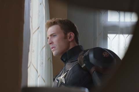 'Captain America 3' cho lot top doanh thu ra mat Bac My hinh anh
