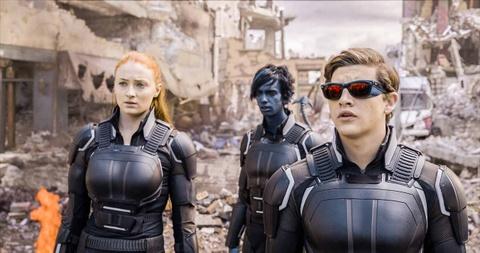 Nhung bo phim he 2016 bi gioi phe binh cong kich hinh anh 6