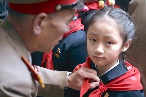 'Duoi anh mat troi': Goc nhin khac ve Bac Trieu Tien hinh anh