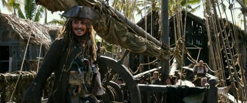 'Cuop bien Caribbean 5': Bom tan giai tri mua he dung nghia hinh anh 3