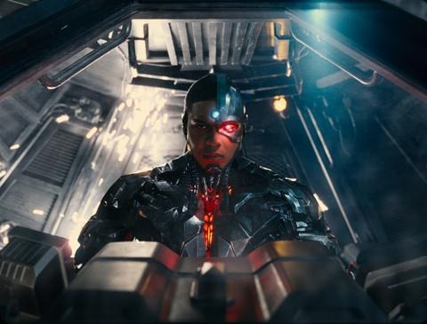 'Justice League' nhoc nhan vuot moc doanh thu 600 trieu USD hinh anh