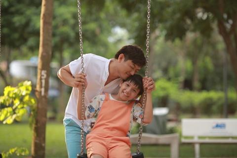 Trailer bo phim 'O day co nang' hinh anh