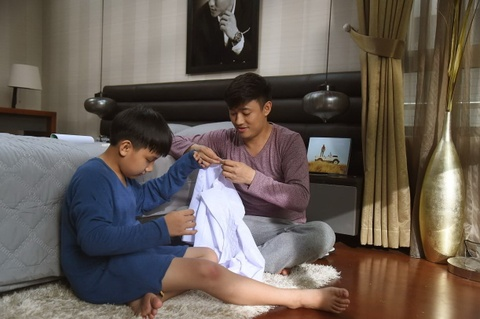 'O day co nang': Cau chuyen tinh cha giua chon showbiz thi phi hinh anh