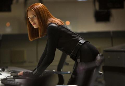 Scarlett Johansson vi dau bo vai chuyen gioi gay tranh cai? hinh anh 3