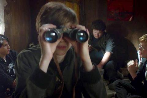 Trailer bo phim 'Mua he kinh hoang '84' hinh anh