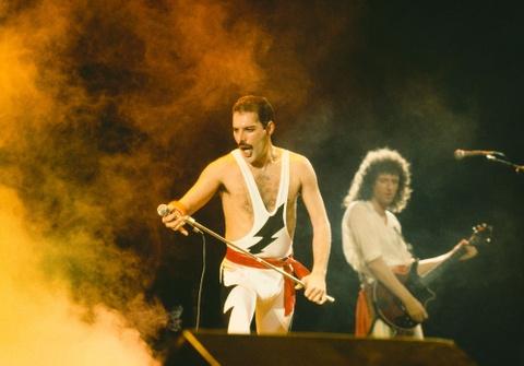 'Bohemian Rhapsody' - Thu linh Queen luong tinh va di biet hon the hinh anh 8
